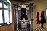 Tom Nyman försöker få till några lunchtimmar på gymmet varje vecka. Dagar när han fastar kör han i lite lugnare tempo.