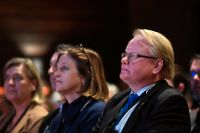 Försvarsminister Peter Hultqvist (S) och hans pressekreterare Marinette Nyh Radebo (tv) under Folk och Försvars rikskonferens i Sälen förra året.