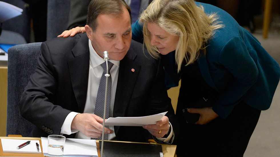 Statsminister Stefan Löfven och finansminister Magdalena Andersson under en partiledardebatt i riksdagen.