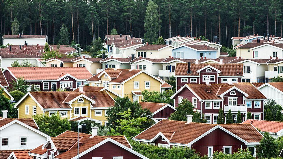 Dagens kommunala fastighetsavgift är mer förutsägbar än vad den tidigare fastighetsskatten var, skriver artikelförfattarna.