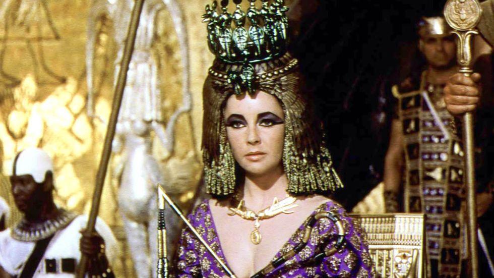 Elizabeth Taylor i rollen som Kleopatra.