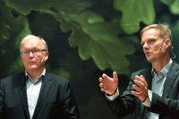 Swedbank styrelseordförande Göran Persson presenterade bankens nye vd Jens Henriksson under en pressträff på huvudkontoret i Stockholm den 29 augusti.