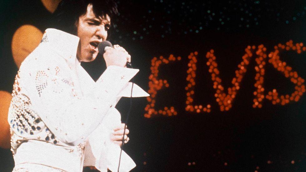 Elvis Presley var en av många artister som spelade in låtskrivaren Mac Davis låtar. Arkivbild.