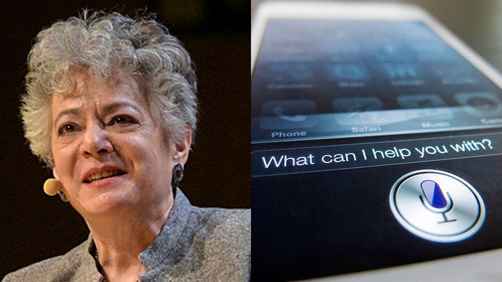 Barbara Grosz har forskat om artificiell intelligens sedan 1973. Den röststyrda appen Siri finns i Apples telefoner sedan 2011. Siri kan svara både skriftligt och muntligt.