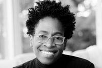 Rasism, segregation och sexuell identitet är återkommande teman i Jacqueline Woodsons hyllade romaner.