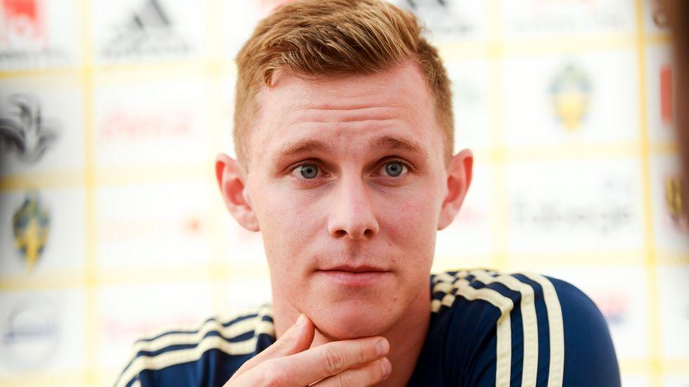 Emil Krafth väntas ersätta avstängde Mikael Lustig i kvartsfinalen mot England.