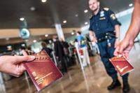 Polisen misstänker att en del av passen används av människosmugglare. Bland dem är det svenska passet ett av de mest eftertraktade, eftersom bara det tyska passet ger tillgång till fler länder.