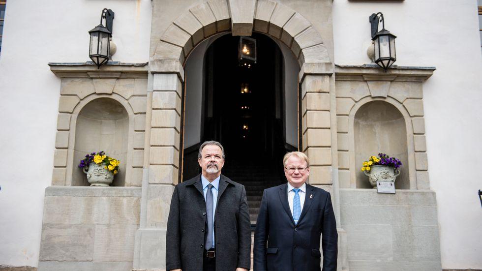 Försvarsminister Peter Hultqvist och hans kollega från Brasilien, Raul Jungmann på Karlbergs slott.