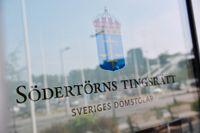 En 18-åring misstänks för våldtäkt mot ett barn på ett hotell i södra Stockholm.