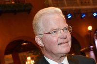 Lundbergssfären köpte totalt 13 miljoner av Handelsbankens 29 miljoner aktier i Industrivärden.