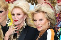 """Joanna Lumley och Jennifer Saunders på premiären för """"Absolutely famous - the movie"""" i London."""