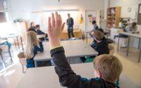 Nätets lättillgängliga information riskerar att underminera lärarens roll och auktoritet.