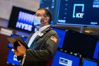 De ledande USA-börserna pekade åt olika håll under måndagens handel.