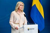 Socialminister Lena Hallengren tycker inte att den som har hemtjänst självklart kan begära att en annan kommun ska ta över ansvaret för det. Arkivbild.