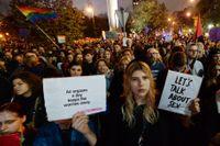 Demonstration i Warszawa mot det nya lagförslaget.