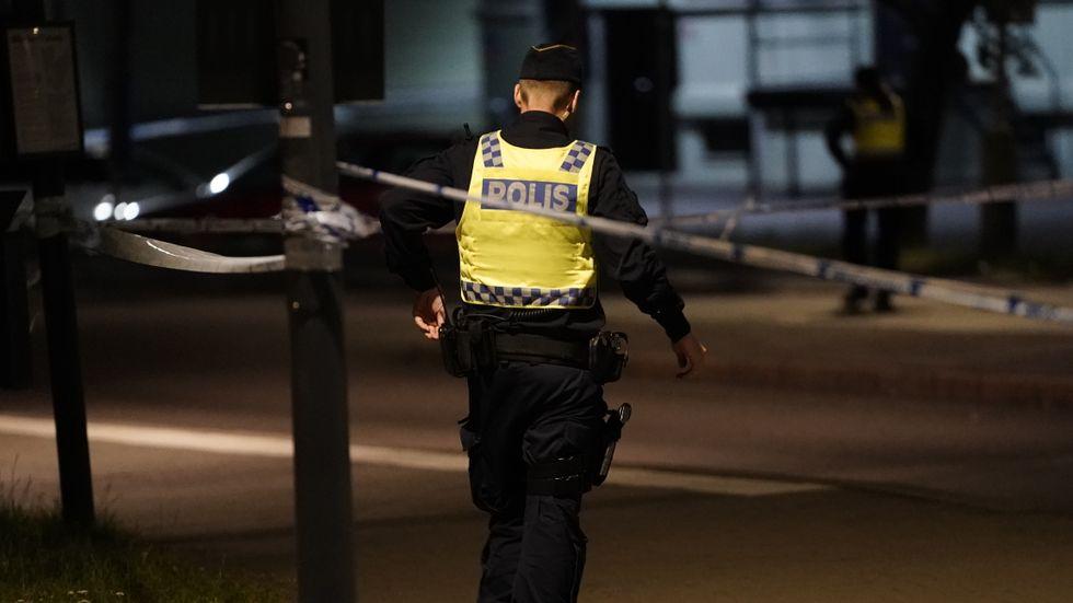 En lägenhet i Högdalen i södra Stockholm besköts under natten. Arkivbild.