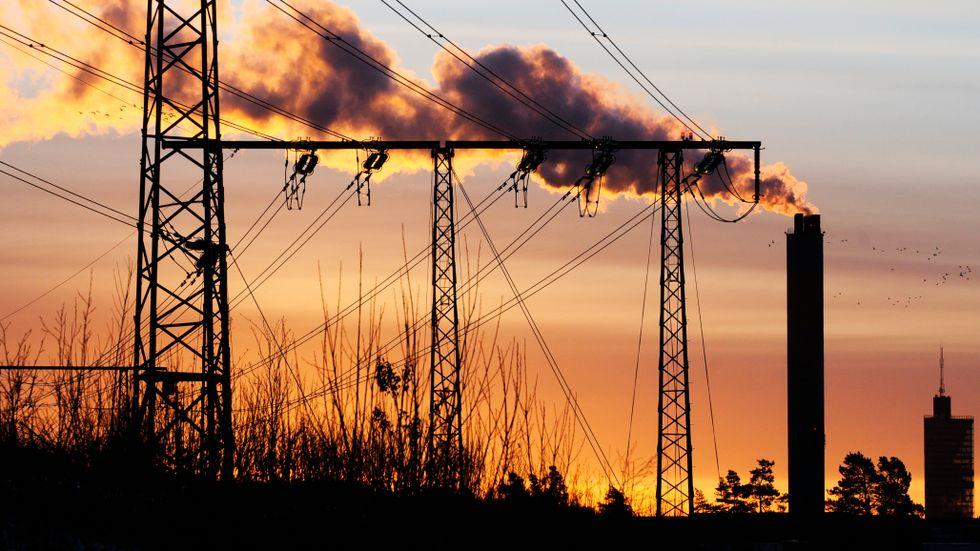 Trots att utsläppen har minskat är koldioxidhalten fortsatt hög.