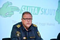 """Stefan Sintéus, polisområdeschef i Malmö, berättar om projektet """"Sluta skjut"""" under en pressträff i Malmö i oktober. Satsningen syftar till att enligt en amerikansk modell förebygga skjutningar och grovt våld i Malmö."""