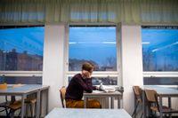Flera årskurser i högstadiet och på gymnasiet får uppskjuten skolstart efter ett utbrott av covid-19 i Tranås. Arkivbild.