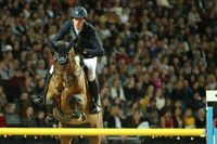 Henrik von Eckermann, här på Cantinero, klättrade upp på topp-tio på rankningen i hästhoppning. Arkivbild.