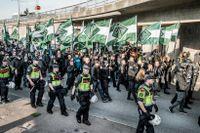Nordiska motståndsrörelsen demonstrerar i Göteborg 30 september.