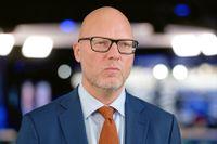 Jörgen Warborn (M) pekar på att bara fyra av de 100 största AI startup-företagen i världen är europeiska.