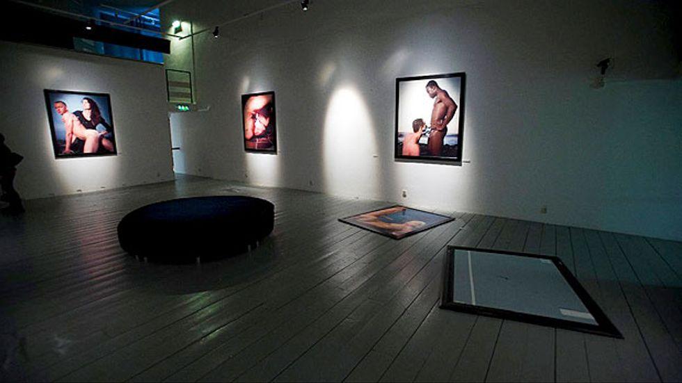 """På Kulturen i Lund vandaliserades fotografier av Andres Serrano som ingick i utställningen """"A history of sex"""" 2007."""