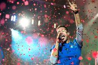 Chris Martin och hans Coldplay bjöd på storslagen konsert på Friends Arena.