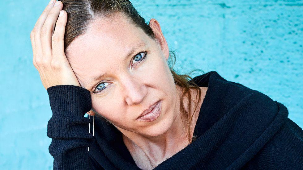 """Maggie Nelson hoppar i sina böcker mellan poesi, essä, journalistik och självbiografi. Hon vill inte gå in på vad nästa bok ska handla om: """"Det är lustigt med böcker, det tar ett tag innan man vet vad det ska bli. Det kanske blir en besvikelse för mina fans, det är inte alls så självbiografiskt. Mer kritik än memoar."""""""