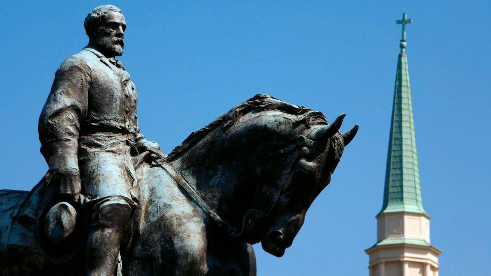 Robert E Lee-statyn i Charlottesville, Virginia.