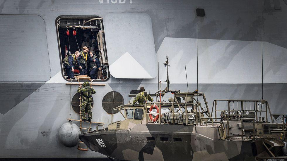 Sverige når upp till 1 procent av BNP i försvarsuppgifter. Senast Sverige nådde 2 procent var 1996.