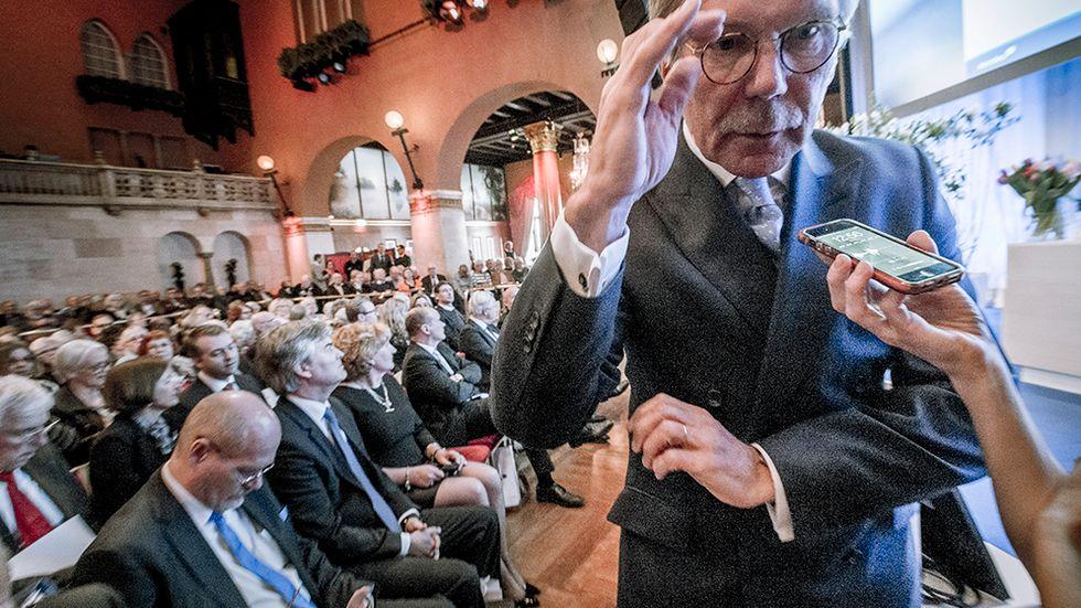 Nordeas styrelseordförande Björn Wahlroos har en del frågor att svara på, om pengatvätt i banken.
