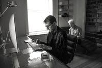 """Andy Martin, i bakgrunden, har observerat författaren Lee Child och dennes arbete med boken """"Make me""""."""