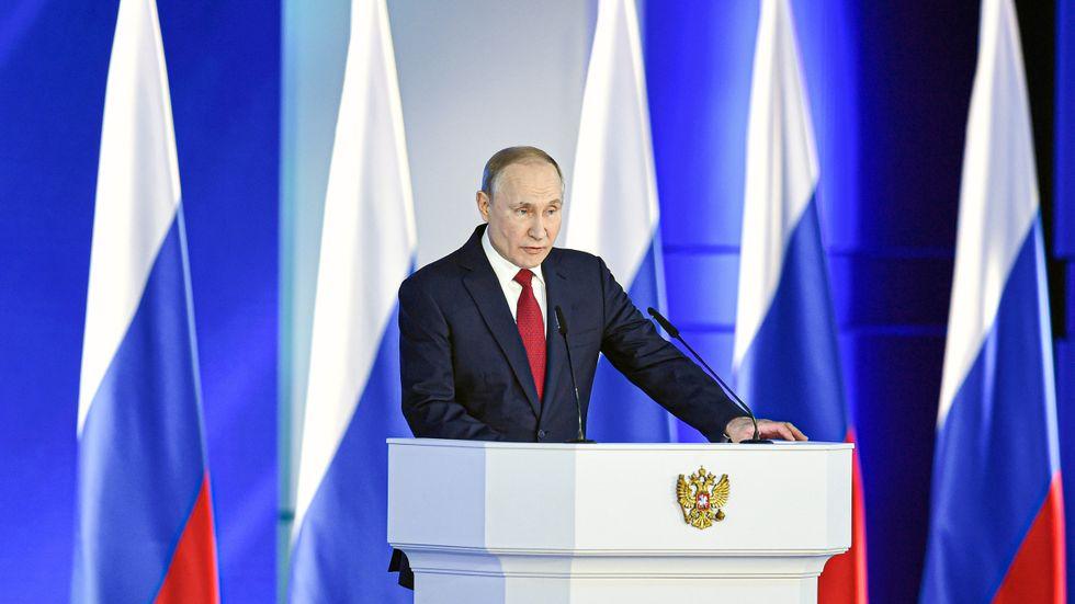 Vladimir Putin har fått se sin popularitet falla i takt med att ojämlikheten ökat.
