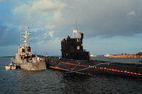 U-137, sovjetisk ubåt på grund i Karlskrona skärgård 1981.