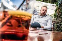 """Sverigedemokraternas chefsideolog Mattias Karlsson är belåten. """"Det värsta som kan hända i politiken är att försvinna"""", säger han."""