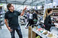 – Man måste tycka att logistik och it är roligt, säger vd Pär Svärdson. I Apoteas lager i Morgongåva i Uppland finns mer än 9000 olika produkter. Antalet varor är över 600000.