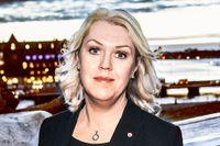Lena Hallengren (S) svarar BUP-cheferna om den växande psykiska ohälsan bland barn och unga.