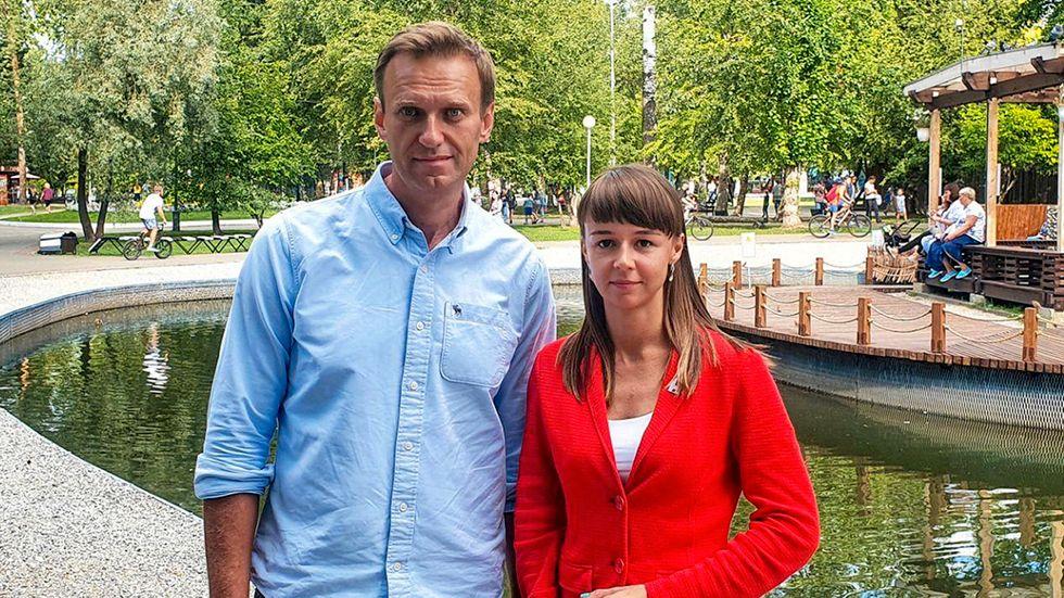 Aleksej Navalnyj, sida vid sida med Ksenija Fadejeva som hoppas få en plats i stadsfullmäktige i Tomsk. Bilden togs bara någon dag innan Navalnyj blev förgiftad i augusti.
