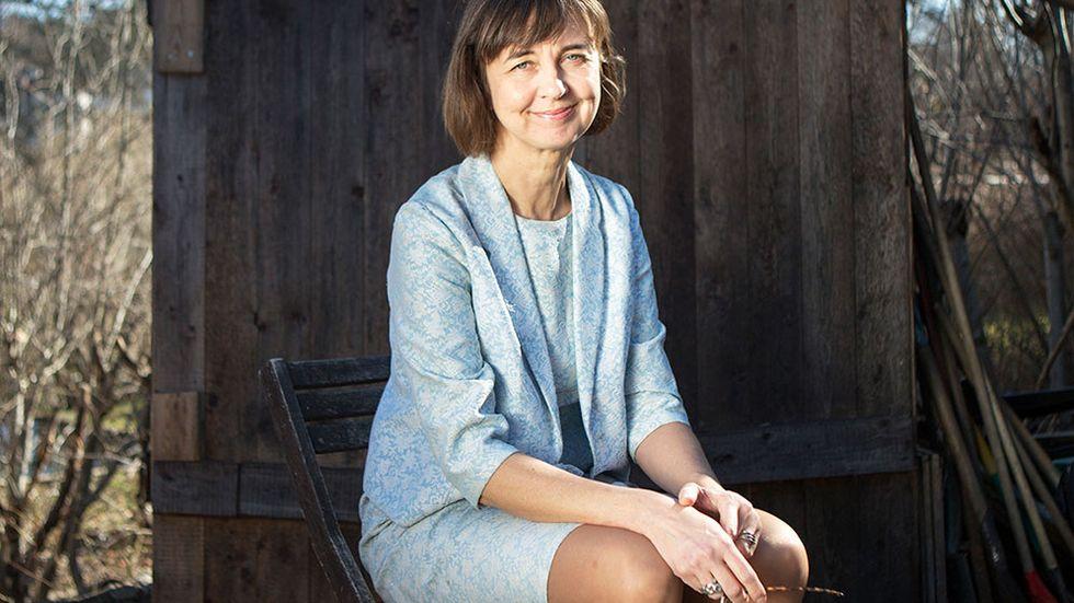 """Gunilla Brodrej (född 1962) är redaktör och kritiker på Expressens kulturredaktion. """"Shopstop. Rapport från ett celibat"""" är hennes första bok."""