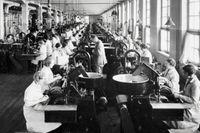Interiör från Tobaksmonopolets fabrik på Södermalm, cirka 1940.