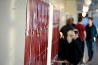 Arbetsmiljöverkets inspektion hittills visar att hälften av skolorna hade brister i arbetet med att stoppa spridning av covid-19 i skolan. Arkivbild.