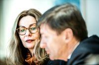 Swedbanks ledning räds nekad ansvarsfrihet på torsdagens årsstämma. På bilden: Vd Birgitte Bonnesen och styrelseordförande Lars Idermark.