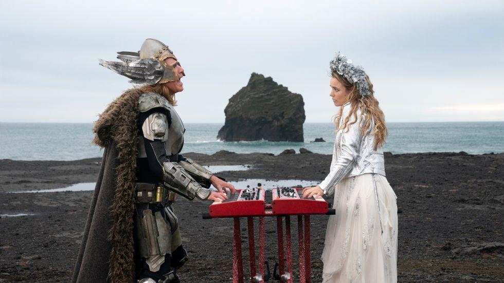 """Will Ferrell som Lars och Rachel McAdams som Sigrit i """"Eurovision song contest""""."""