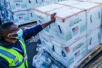Modernas vaccin anländer till Nairobi, Kenya.