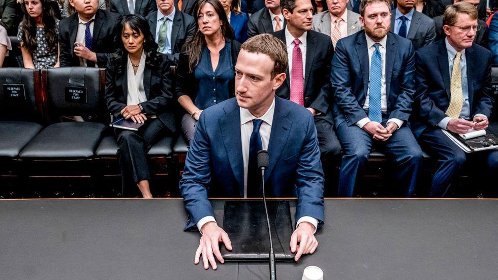 Facebook, med dess vd Mark Zuckerberg, har avslöjats göra undantag från sina regler för kändisar. Arkivbild.