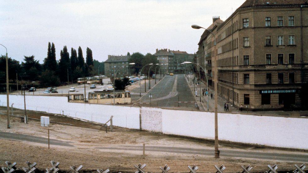 Berlin var bättre förr? Bilden visar en vy över dåvarande Östberlin från Bernauer Strasse på andra sidan Berlinmuren.