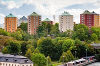 I en ny undersökning som Fastighetsbyrån genomfört har svenskar fått frågor kring bostadsmarknaden och deras syn på amorteringskravet.