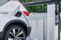 Volvo bjuder på fri snabbladdning i sommar