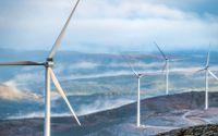 När det är som kallast blåser det ofta mindre vilket leder till lägre produktion av vindkraft.